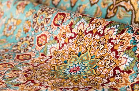 فرش تمام ابریشم در طرح ها و رنگ های متنوع